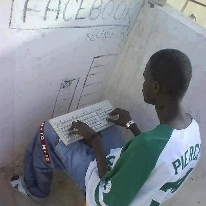 Un jeune obsédé par Facebook