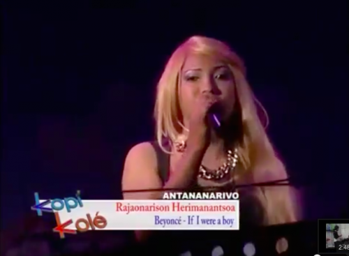 Un des 1500 candidats d'Antananarivo qui a imité la chanteuse américaine Beyoncé Knowles.
